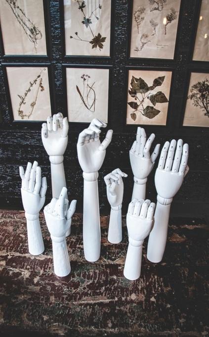 hands1-1